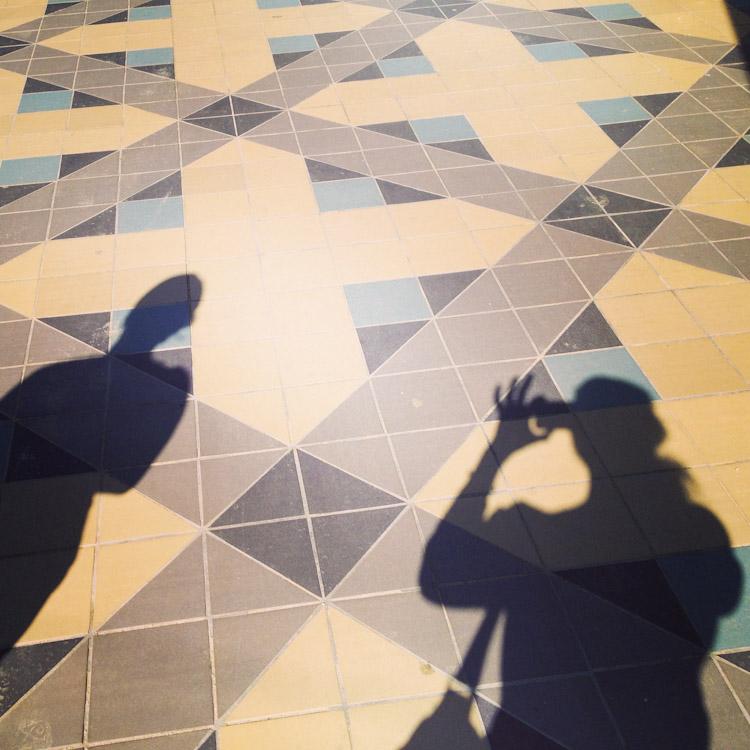 Aj y yo en shadows.